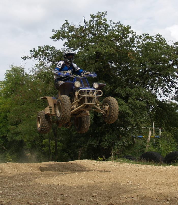 Session de quad cross à Larchant 77, en Banshee bien sur ! P8160617bis